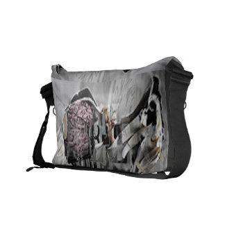 C 4 K 4 MESSENGER BAG