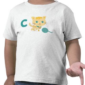 C está para la camiseta del gato de Carrie