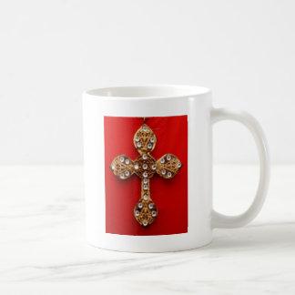 C R O S S - fondo rojo que sangra Jewelled cruz Tazas De Café
