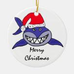 CA tiburón en un ornamento del navidad del gorra Ornamento Para Arbol De Navidad