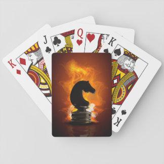 Caballero del ajedrez en llamas baraja de póquer