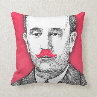 Caballero del vintage con el bigote rosado diverti almohada