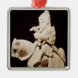 Caballero en armadura en su caballo adorno navideño cuadrado de metal