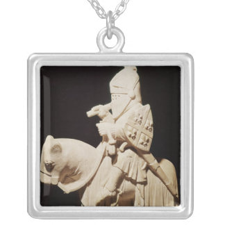 Caballero en armadura en su caballo joyeria personalizada