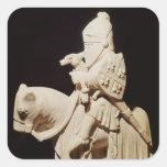 Caballero en armadura en su caballo pegatina cuadrada