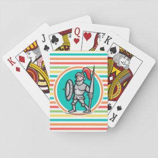 Caballero en rayas brillantes del arco iris cartas de juego