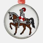 Caballero y su caballo adorno redondo plateado