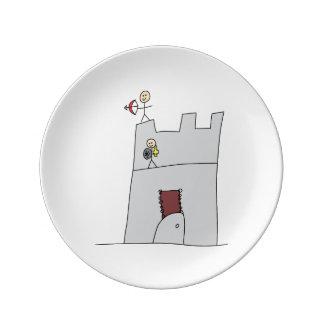 Caballeros lindos con el arco y flecha y espada en plato de cerámica