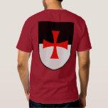 Caballeros Templar Beauceant con la camisa cruzada