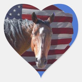 Caballo americano y bandera cuartos - patrióticos pegatina en forma de corazón