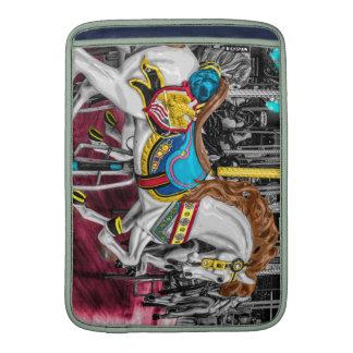 Caballo colorido del carrusel en el carnaval funda para macbook air