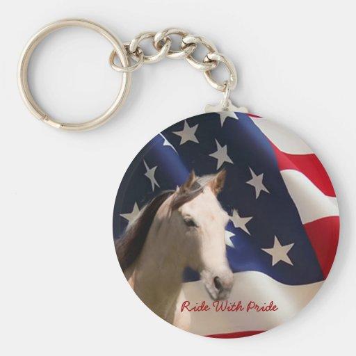 Caballo con llavero de la bandera americana