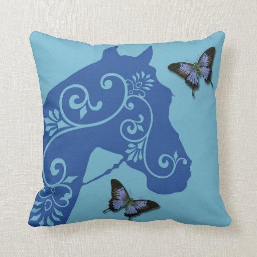 Caballo con remolinos en almohada azul cojín decorativo