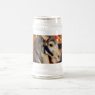 Caballo crinado gris del carrusel - primer tazas