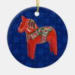 Caballo de Dala del sueco en el campo de estrellas Ornaments Para Arbol De Navidad