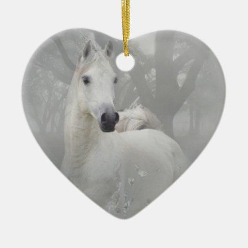 Caballo de la fantasía adorno navideño de cerámica en forma de corazón