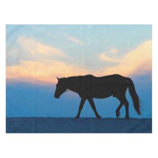 Caballo de la playa de la puesta del sol mantel de tela
