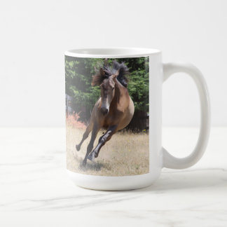 Caballo de Lusitano en la libertad Taza De Café