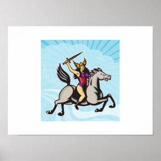 Caballo de montar a caballo del guerrero de Valkyr Poster
