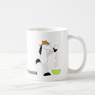 Caballo del dibujo animado con la preparación del taza clásica
