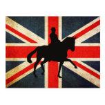 Caballo del Dressage con la postal de la bandera d