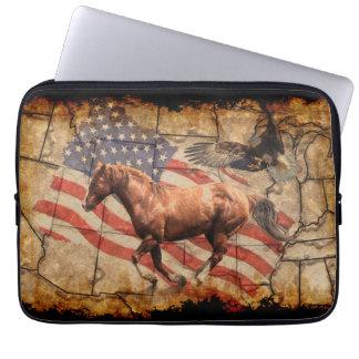 """Caballo del oeste del """"título"""", Eagle y bandera de Funda Ordendadores"""