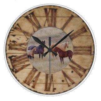 Caballo del reloj de pared y reloj rústico