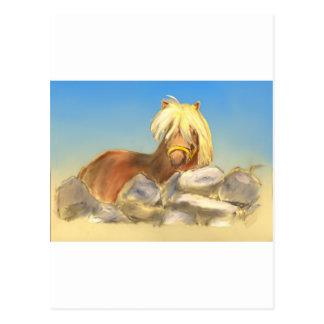 caballo detrás de la pared de piedra tarjetas postales
