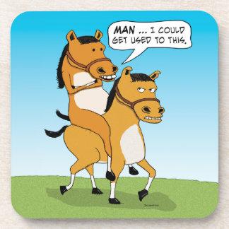 Caballo divertido del montar a caballo posavaso