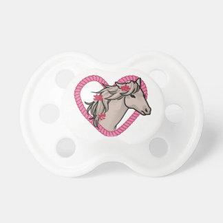 Caballo en corazón de la cuerda chupete de bebé