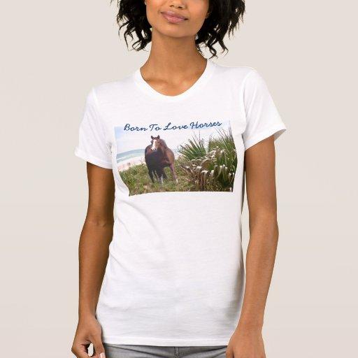 Caballo en la playa de la camiseta de la playa playera