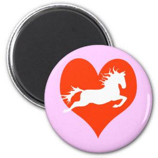 Caballo en mi corazón (blanco en rojo) imán redondo 5 cm