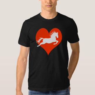 Caballo en mi corazón (blanco en rojo) polera