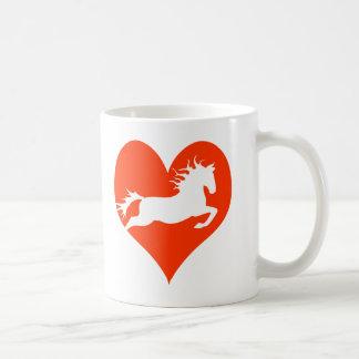 Caballo en mi corazón (blanco en rojo) taza
