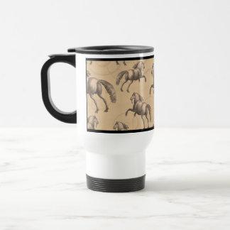 Caballo español galopante elegante taza de viaje