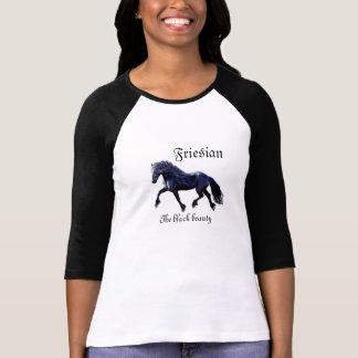 Caballo frisio, semental, la belleza negra camiseta