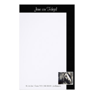 Caballo gris con la frontera negra  papeleria de diseño