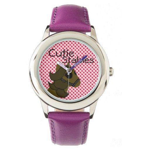 Caballo lindo de los establos de Cutie de los Relojes