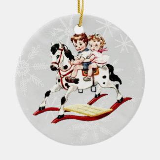Caballo mecedora del vintage ornamente de reyes