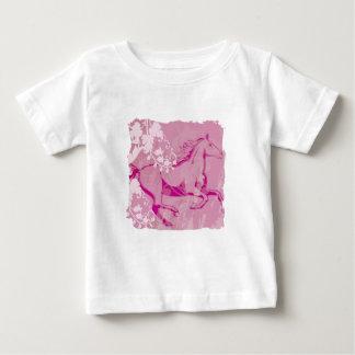 Caballo místico del jardín (rosa) camiseta