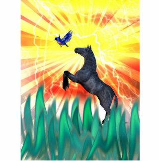 Caballo negro que se alza, hierba del semental de  esculturas fotograficas