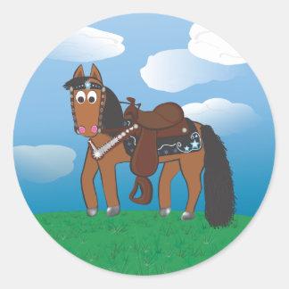 Caballo occidental del dibujo animado lindo pegatina redonda