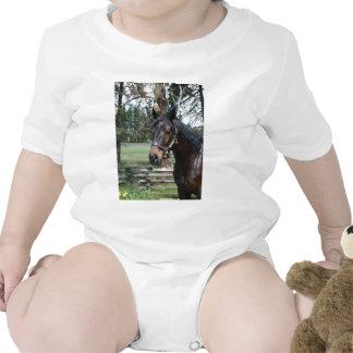 Caballo oscuro de Lipizon Camiseta