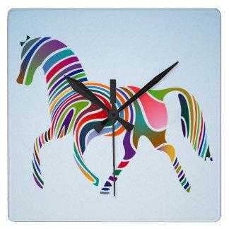 caballo pintado reloj cuadrado