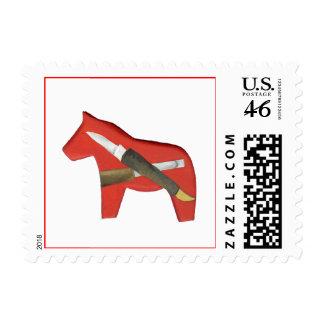 Caballo rojo de Dala que talla el sello