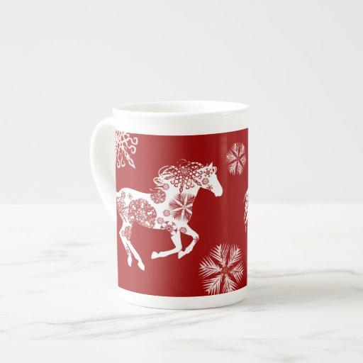 Caballo rojo y blanco del navidad del copo de niev tazas de porcelana