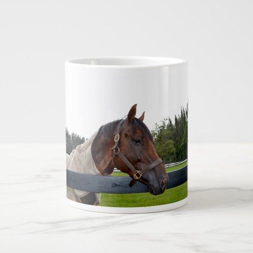 caballo sobre cambio del cielo de la vista lateral tazas jumbo