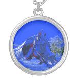 caballo sobre dibujo animado del azul de la vista  pendiente