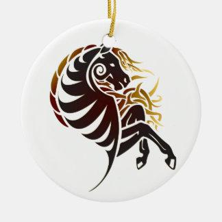 Caballo tribal ornamente de reyes