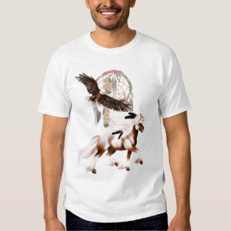 Caballo y camiseta de Eagle Polera